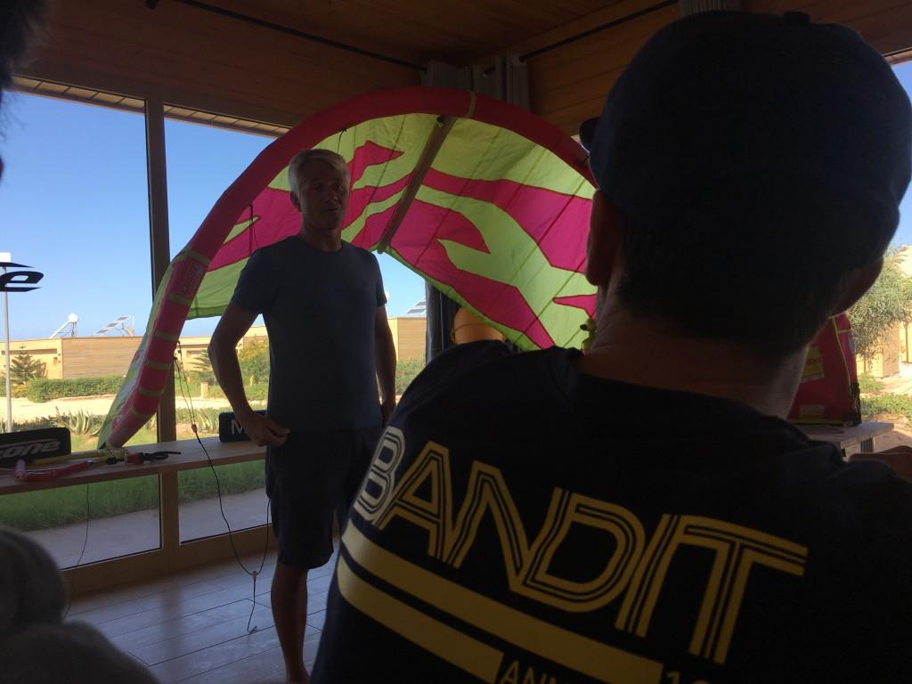 Voici la toute nouvelle aile de kite Bandit 2018 ! Designée par Robert Graham et testé par Raphael Salles.